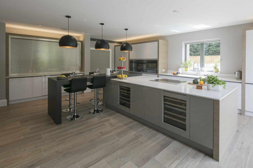 Marsh-and-Wiesenfeld-Weybridge-Family-Home-Dining-kitchen-2